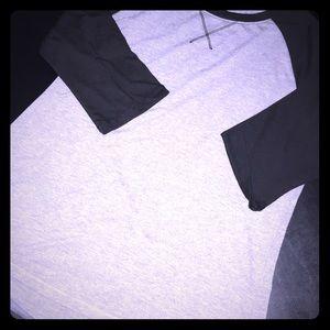 Woman's raglan T-shirt size L